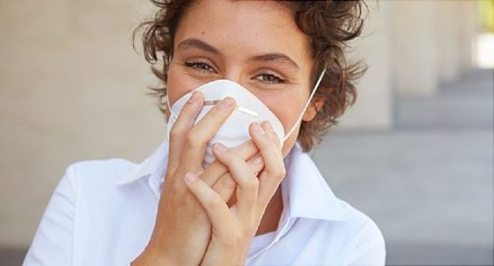 Can Wearing a Mask Reduce My Allergy Symptoms?